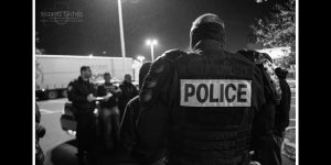 policesousluniforme_11