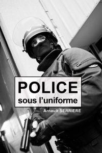 flyer police sous l'uniforme